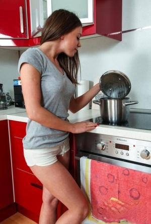 Teen In Kitchen Pics
